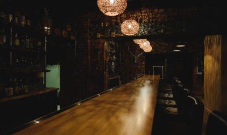 Acenoma solicita la apertura de bares especiales y discotecas con horario de cafeterías.